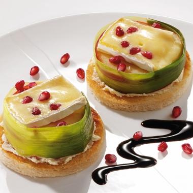 Bildmotiv für Champignon Camembert - Champignon Camembert-Törtchen im Lauchmantel